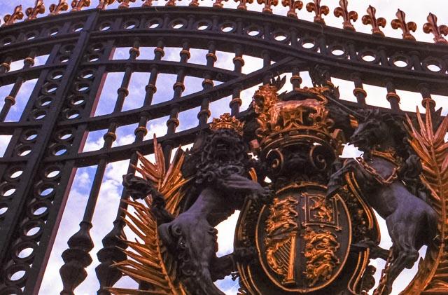 royal-armoiries-2-1-sur-1